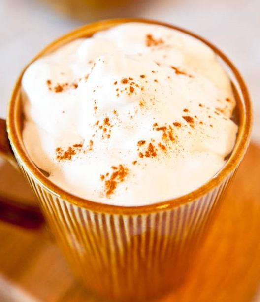 3 rețete de cafea care îți înseninează zilele de toamnă